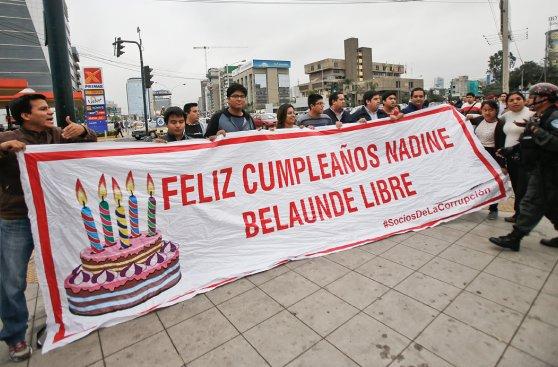 Vía Expresa: pelea por letrero dedicado a Nadine Heredia