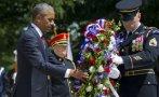"""Obama honra a """"héroes caídos"""" y reitera promesa de dejar Iraq"""