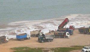 Costa Verde: alcaldes prometen acabar con el arrojo de desmonte