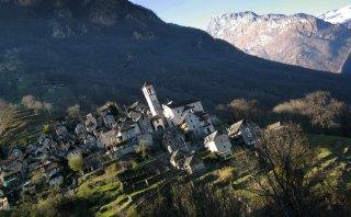 Corippo, una de las comunas menos pobladas de Suiza