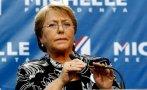 Chile: Bachelet admite que actuó tarde en escándalo de su hijo