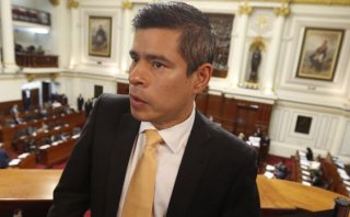 Luis Galarreta negó contacto con PPK tras renunciar al PPC