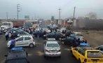 Taxistas bloquean la Panamericana en Trujillo por falta de GLP