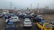 Taxistas de Trujillo bloquean Panamericana por falta de GLP