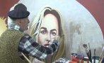 El último pintor de carteleras en Grecia [VIDEO]