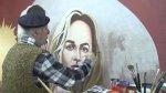 El último pintor de carteleras en Grecia [VIDEO] - Noticias de milla jovovich