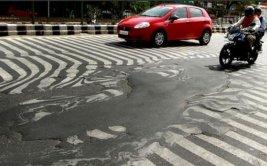 Calor extremo derritió pistas en la India [VIDEO]