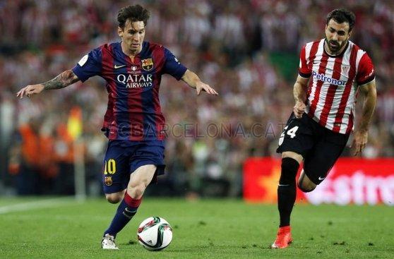 Luis Suárez casi arruina el golazo de Lionel Messi (FOTOS)
