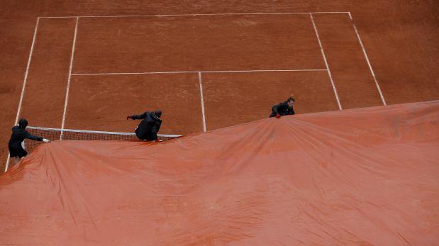 Se aplazó parcialmente la jornada de Roland Garros por lluvias. (Foto: Reuters)