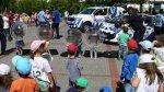 Duras críticas por fotos de niños simulando ser policías - Noticias de violencia escolar