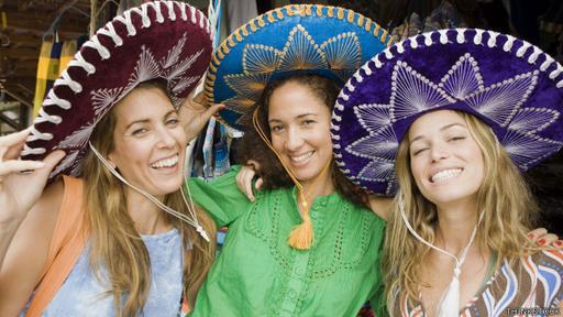 Las aplicaciones son cada vez más inteligentes a la hora de interpretar el contenidos de las imágenes. Quizas deduzcan que esta foto fue tomada en México.