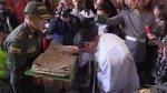 Devotos colombianos veneran reliquia de Juan Pablo II [VIDEO] - Noticias de esto es guerra