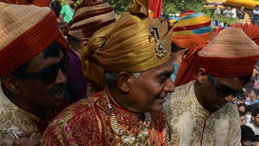Doshi llegó a la ceremonia de iniciación vestido lujosamente. (Foto: Getty Images)
