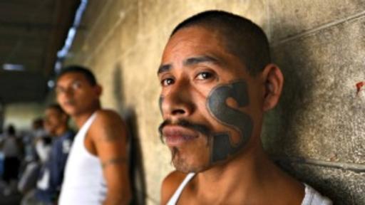 El fenómeno de las maras se originó en barrios hispanos de Estados Unidos.