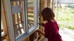 Niña de 9 años construye refugios para sus amigos indigentes - Noticias de indigentes