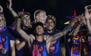 ¿Neymar ebrio? Así celebró triplete en el Camp Nou (VIDEO)