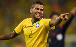 Dunga convocó a Dani Alves tras lesión del lateral Danilo