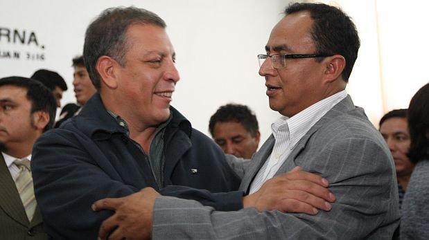 Santos recibe en celda a Arana y Rimarachín para coordinaciones