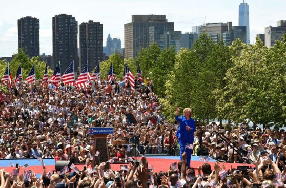 """Hillary Clinton: """"Seré la mujer presidenta más joven de EE.UU."""""""