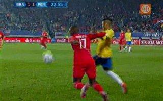 Brasil: Neymar humilló a Advíncula con dos 'sombreros' seguidos