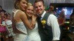 Taylor Swift sorprendió a una fanática recién casada - Noticias de chris field