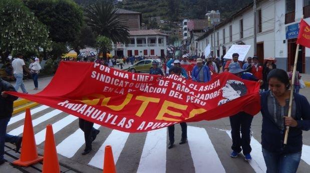 Apurímac: maestros en huelga anuncian toma de principales vías