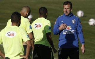 Dunga está preocupado por Colombia... y por Neymar