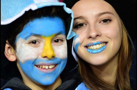 Argentina vs. Uruguay: colorido y belleza en las tribunas