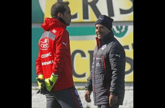 Arturo Vidal: muestras de apoyo en entrenamiento de Chile