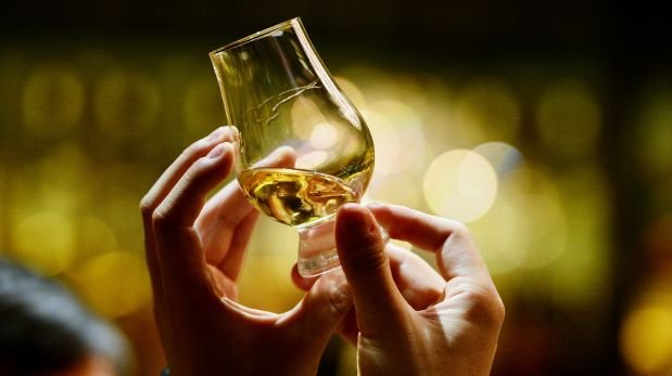 Un whisky para papá: ¿Bourbon, Scotch, whiskey o qué?