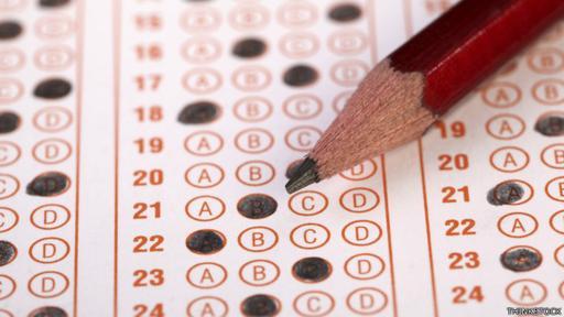 El examen de admisión general es un mecanismo criticado en varios países.