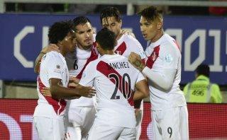 Perú venció 1-0 a Venezuela y sigue con vida en Copa América