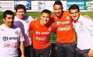 El gran gesto de Sánchez con miembros de la selección chilena