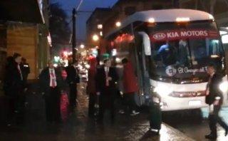 Selección peruana llegó a Temuco en medio de fuerte lluvia