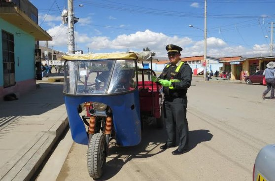 La PNP de Huancayo y su sorpresa por el Día del Padre [FOTOS]