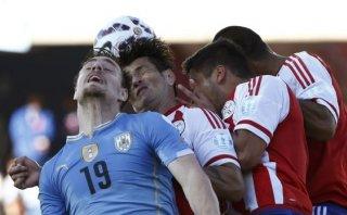 Uruguay empató 1-1 con Paraguay y ambos pasaron a cuartos