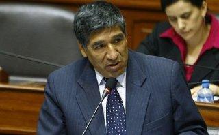 Congresista Casio Huaire adeuda más de S/.87 mil por tributos