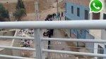 WhatsApp: hacen colas para el tren junto a la basura en VMT - Noticias de centro del adulto mayor