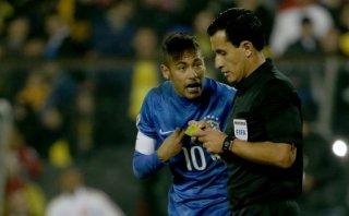 Neymar negó que insultara al árbitro del duelo ante Colombia