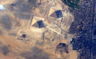 ¿Imaginas poder ver las Pirámides de Egipto desde el espacio?
