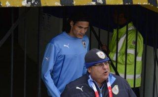 Cavani se quedará en Copa América pese a accidente de su padre