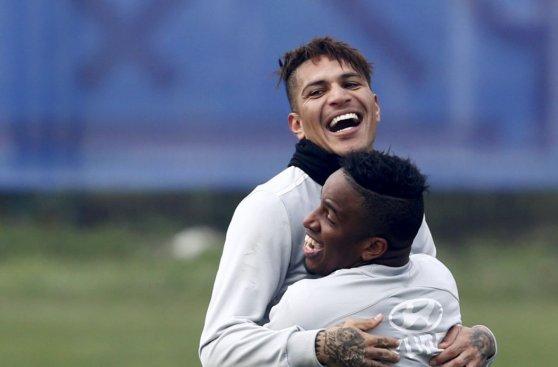 Selección peruana entrenó con el ánimo al tope en Temuco
