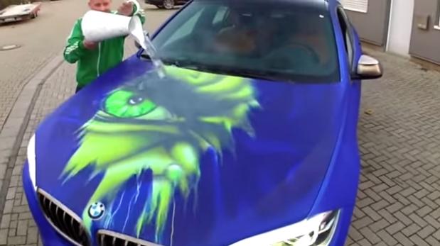 Youtube esta bmw cambia de color con el agua caliente for Color agua marina pintura