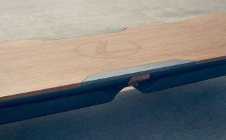 Hoverboard, el skate flotante de Lexus