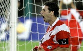 El día que Pizarro le anotó a Bolivia para clasificar a Perú