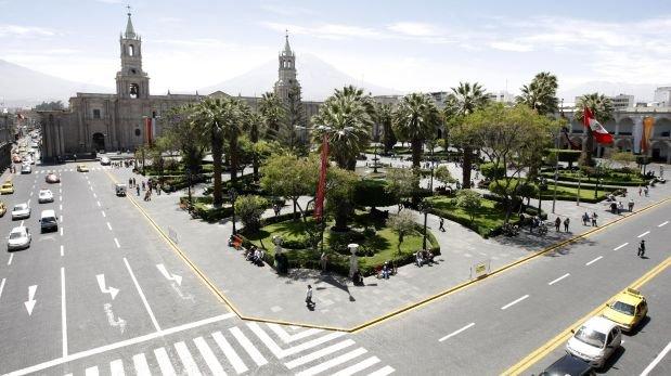 Arequipa prohíbe mítines y marchas en la Plaza de Armas