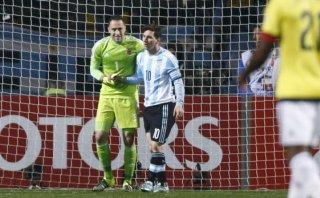 Lionel Messi falló clara ocasión ante portero Ospina (VIDEO)