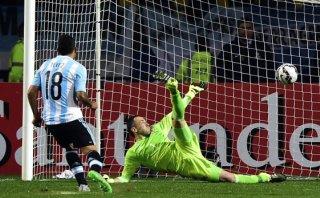 Argentina venció 5-4 a Colombia en penales y pasó a semifinales