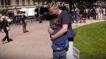 Hombre con VIH pregunta si se atreverían a abrazarlo [VIDEO] - Noticias de relaciones sexuales