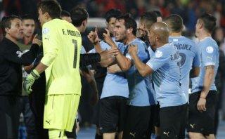 Federación de Chile pide sanción para futbolistas uruguayos